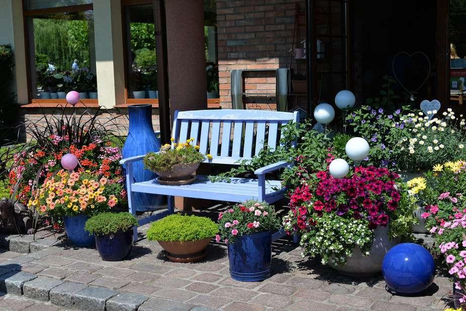 Für die Terrasse oder Balkon - Jede Pflanze benötigt ihren Kübel / Topf!